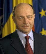 Basescu, la congresul PNTCD: Ponta - farsorul perfect, Udrea - buna pentru Romania