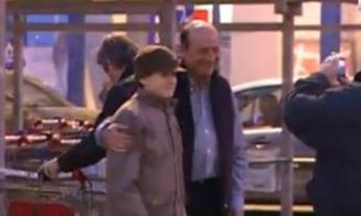 Basescu, la cumparaturi: Imi doresc putina liniste. Nu cumparati zarzavaturi din Olanda!