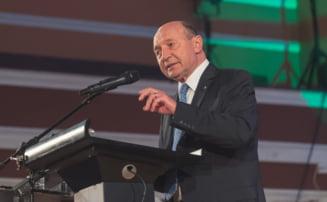 Basescu, la depunerea candidaturii pentru Primarie: Voi face peste 30%, dar nu stiu daca va fi suficient