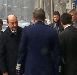 Basescu, lui Igas: Stai sa vedem cu premierul si dupa aia...