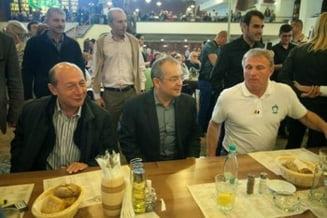 Basescu, noua iesire in oras cu liderii PMP (Video)