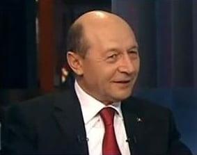 Basescu, prima reactie in scandalul comisiilor: Terenul - achizitionat cinstit, creditul e luat corect. USL face joc politic (Video)