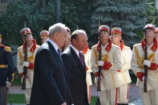 Basescu, primit cu urale si huiduieli la Chisinau