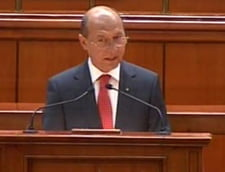 Basescu, suparat pe parlamentarii PD-L care schimba mereu legile (Video)