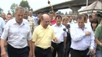 Basescu, suparat pe sinistrati: Daca va ajuta mai mult strainii, adresati-va lor (Video)