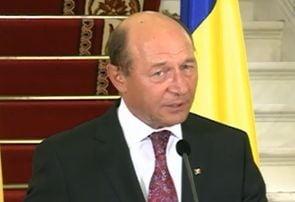 Basescu, suspendat: Vreau sa cred ca romanii nu isi doresc linistea din timpul Guvernului Iliescu (Video)