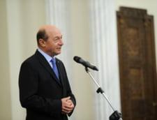Basescu, unui reporter Antena 3: La Cotroceni aveti rezervat un scaun la fel de elegant ca toti colegii