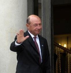 Basescu a ajuns la Washington, nu este exclusa o intalnire cu Obama