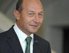"""Basescu a baut bere cu Liiceanu si Ungureanu, la aniversarea revistei """"22"""""""