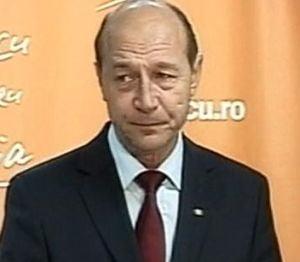 Basescu a fost in Valea Jiului sa spele imaginea minerilor, stricata de Iliescu
