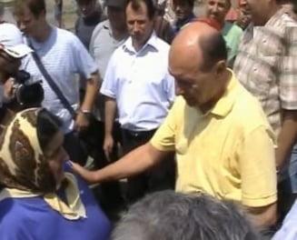 Basescu a mers in Dorohoi - vezi cum l-au primit sinistratii