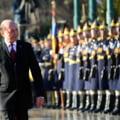 Basescu a plecat de la Cotroceni: Condus de simpatizati si opozanti