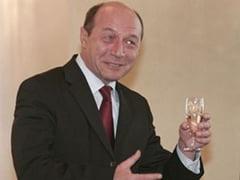 Basescu a promulgat Legea berii si Legea etnobotanicelor