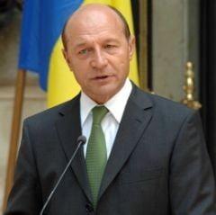 Basescu a promulgat legea bugetului pe 2009