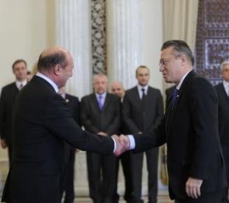 Basescu a semnat pentru Cristian Diaconescu pe lista pentru prezidentiale: Ce au vorbit la Cotroceni
