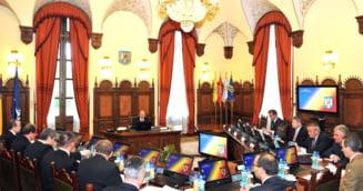 Basescu a trimis trei scrisori Senatului, informand despre deciziile CSAT