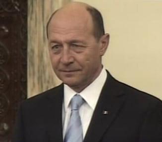 """Basescu acuza Realitatea TV ca """"reia manipularile"""" in cazul copilului lovit"""