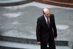 Basescu anunta un val de violente: Gruparile de tip mafiot incep sa-si imparta zonele in care percep taxa de protectie