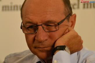 Basescu are incredere ca PMP va deveni un partid important. Cum se pacalesc singure PSD si PNL