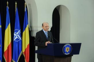 Basescu cere bugetul pentru 2015: Faptul ca premierul nu e in Bucuresti nu e o scuza