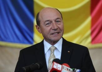 Basescu cere reexaminarea legii privind referendum validat cu prag de 30 la suta (Video)