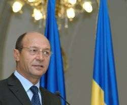Basescu cere remanierea lui Pacuraru si a lui Chiuariu