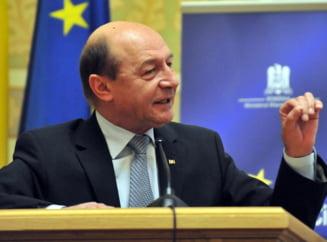 Basescu cheama partidele la consultari