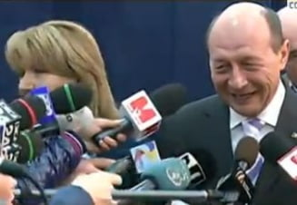 Basescu cheama romanii la vot: Simt ca incep sa scap de o greutate din spate (Video)