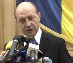 Basescu critica repatrierea de fonduri de catre bancile straine din Romania