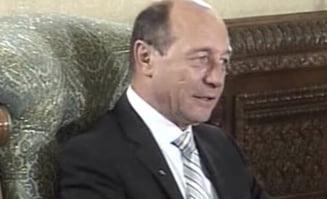Basescu explica de ce nu si-a donat salariul pe iulie
