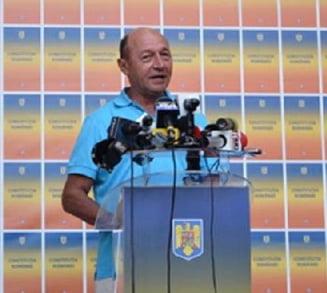 Basescu explica lovitura de stat: Au inlocuit plutonul de militari cu ordonantele de urgenta