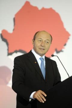 Basescu explica reducerile de personal din 2012: Statul se sufoca din cauza aparatului de stat