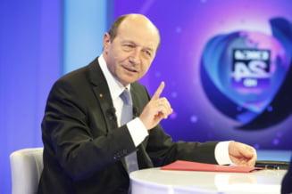 """Basescu face dezvaluiri: Blaga nu a vrut fuziunea cu PMP. """"Atunci, Vasile, du-ti crucea!"""""""