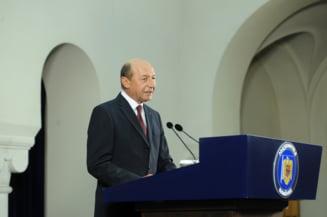 Basescu i-a scris lui Ciorbea: Bacalaureatul de primavara e neconstitutional