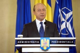 Basescu iese la atac: Au castigat romanii vreun leu din suspendarea mea?