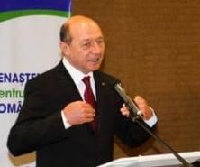 Basescu ii cere lui Ciolos sa suspende pensiile speciale ale alesilor