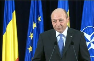 Basescu ii cere lui Ponta sa fie barbat: Vino sa discutam noi doi, las-o pe fiica-mea in pace!