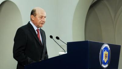 Basescu ii cere lui Ponta sa-si asume desemnarea lui Valcov, dupa ce-a vazut raportul SRI despre el
