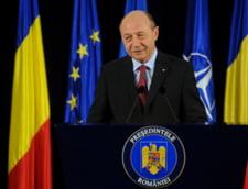 Basescu ii raspunde lui Dumbrava: E indragostit de stilul epistolar, CSM e indreptatit sa sesizeze CCR