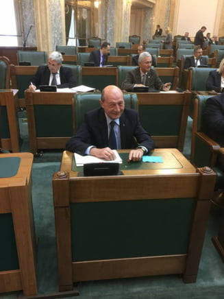 Basescu il apara pe Iohannis: Parlamentarii au probleme comportamentale si incearca sa le ascunda in spatele unei declaratii neinspirate