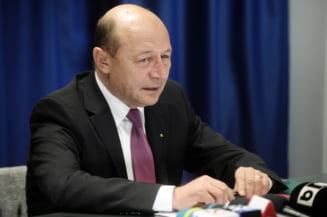 Basescu il ironizeaza pe Oprescu si promisiunea ca nu vom plati caldura