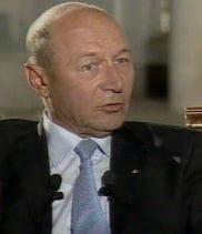 Basescu il mustra pe Arafat si se opune angajarii raspunderii Guvernului pe legea Sanatatii