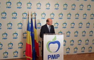 Basescu incepe iar jocul de-a candidatura: Nu respinge, dar nici nu imbratiseaza ideea