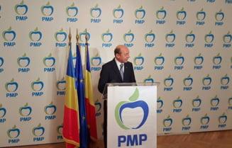 Basescu isi da demisia de la conducerea PMP