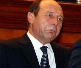 Basescu l-a decorat pe fostul sef al Militiei si Securitatii, George Homostean