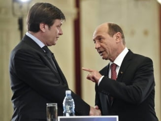 Basescu l-a depasit pe Antonescu, in topul increderii romanilor - sondaj CSOP