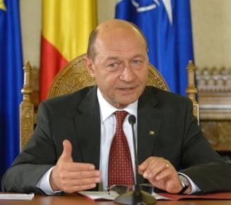 Basescu la TVR - Despre NATO, Rusia, euro si relatiile clanurilor mafiote cu politia
