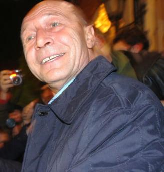 Basescu la plecarea de la sediul PD-L: E un fleac, i-am ciuruit!
