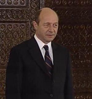 Basescu le-a multumit lui Boc si Geoana ca au dat curs pana la urma invitatiei