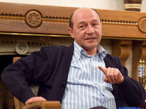 Basescu merge in zone inundate, la Buruienesti, judetul Neamt